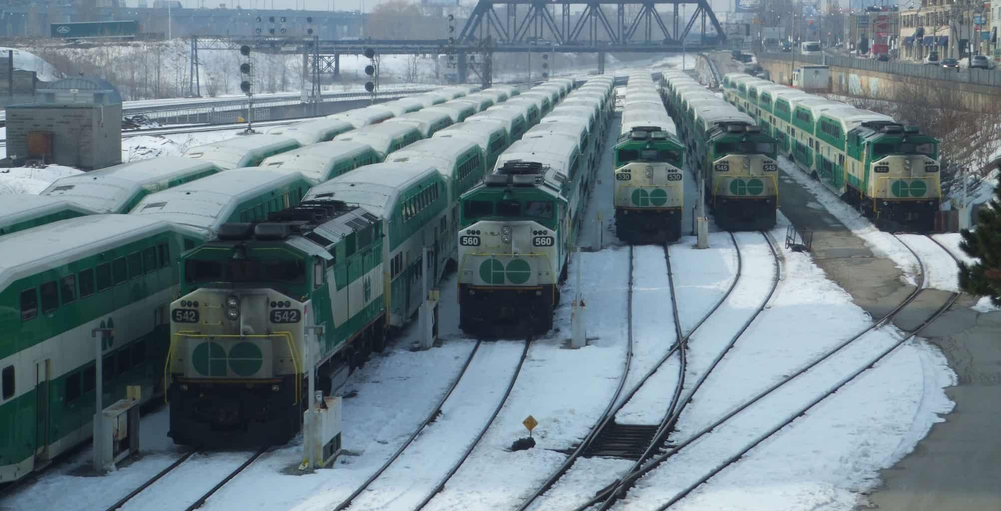 GO trains in Niagara Falls